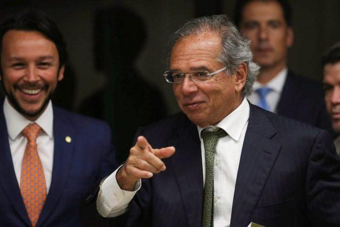 Mesmo com pandemia, Brasil tem saldo positivo de US$ 3,840 bi em abril