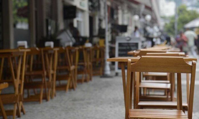 360 restaurantes em Brasília fecharam e 8 mil pessoas estão sem trabalho