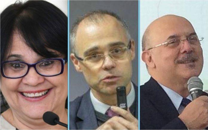 Eduardo Bolsonaro diz que pastores em lugar de destaque