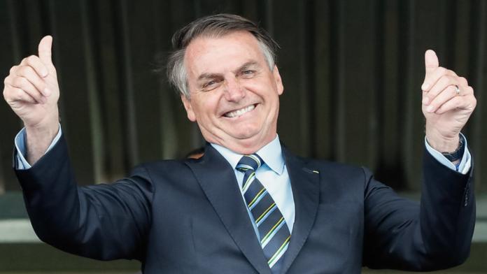 Pesquisa: Bolsonaro venceria todos os candidatos se a eleição de 2022 fosse hoje
