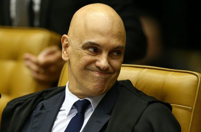 Moraes expõe STF ao mundo após ter decisão contra bolsonaristas negada pelo Facebook