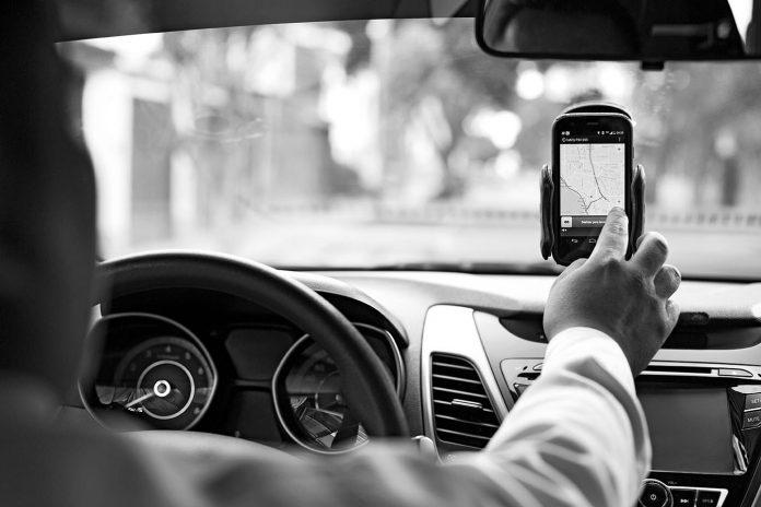 Justiça decide que preso no semiaberto pode atuar como motorista de aplicativo
