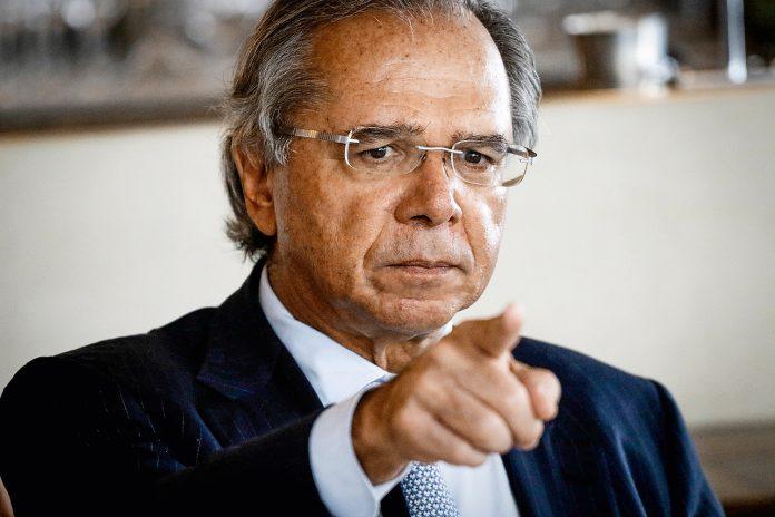 Guedes defende soberania do Brasil sobre à Amazônia em evento: