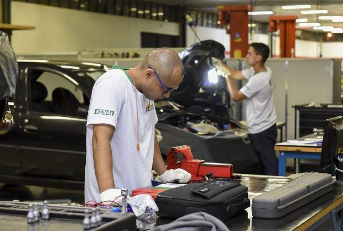 Distrito Federal oferece 4 mil vagas de cursos profissionalizantes para os jovens