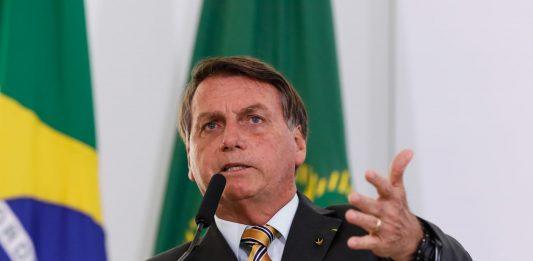 """""""Vão ter que aturar. Só papai do céu me tira daqui"""", diz Bolsonaro sobre o governo"""